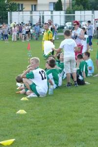 Mecz piłki nożnej tatusiowie - synowie