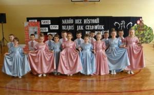 Zespół taneczny z klasy 1a